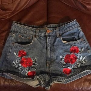 Coachella collection embroidered short